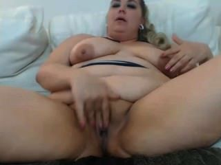 Fat Milf Masturbating And Squirting